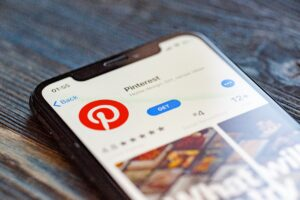 Pinterest na App Store em iPhone
