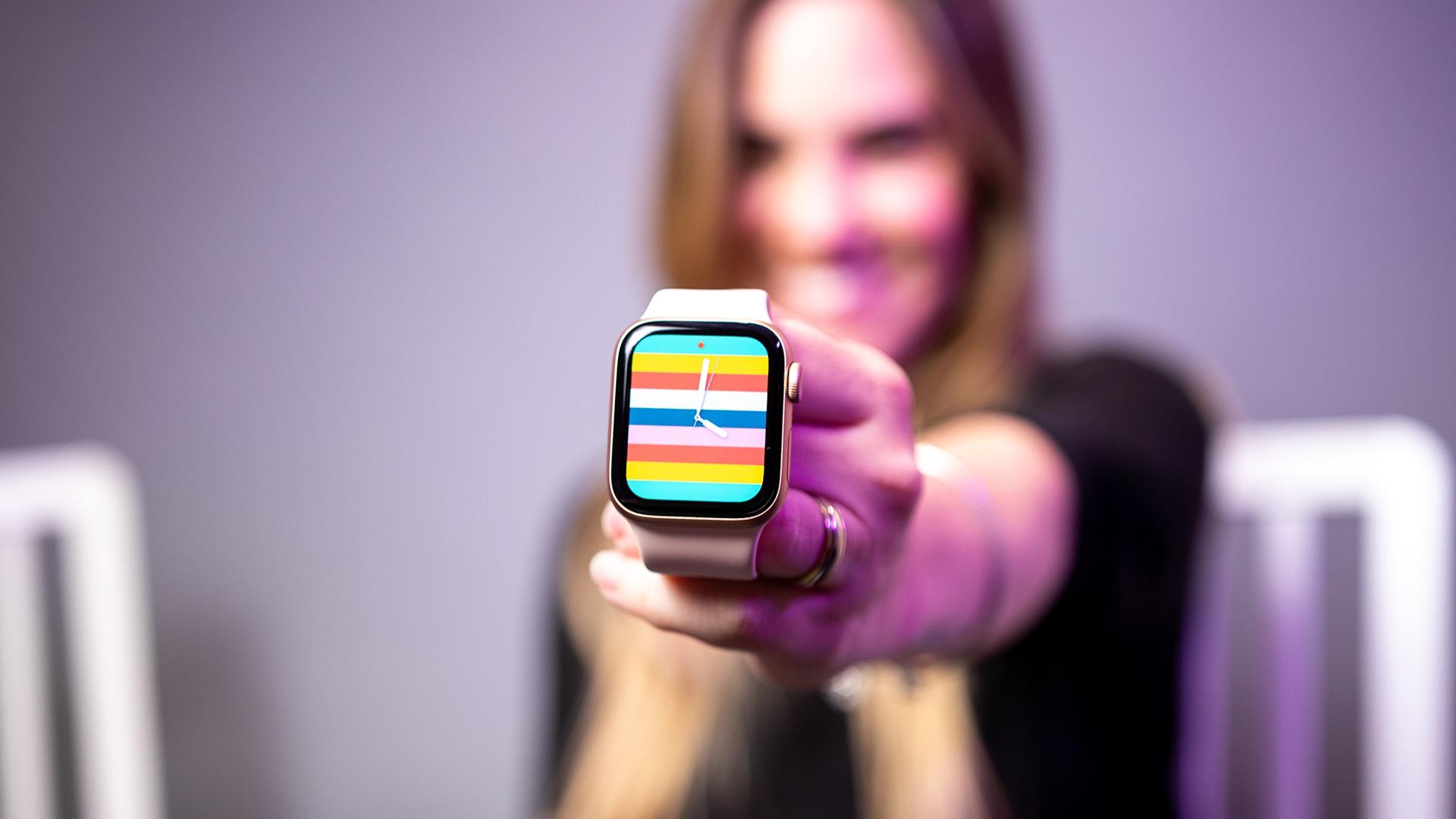 Vídeo: a esposa ganhou um Apple Watch SE!