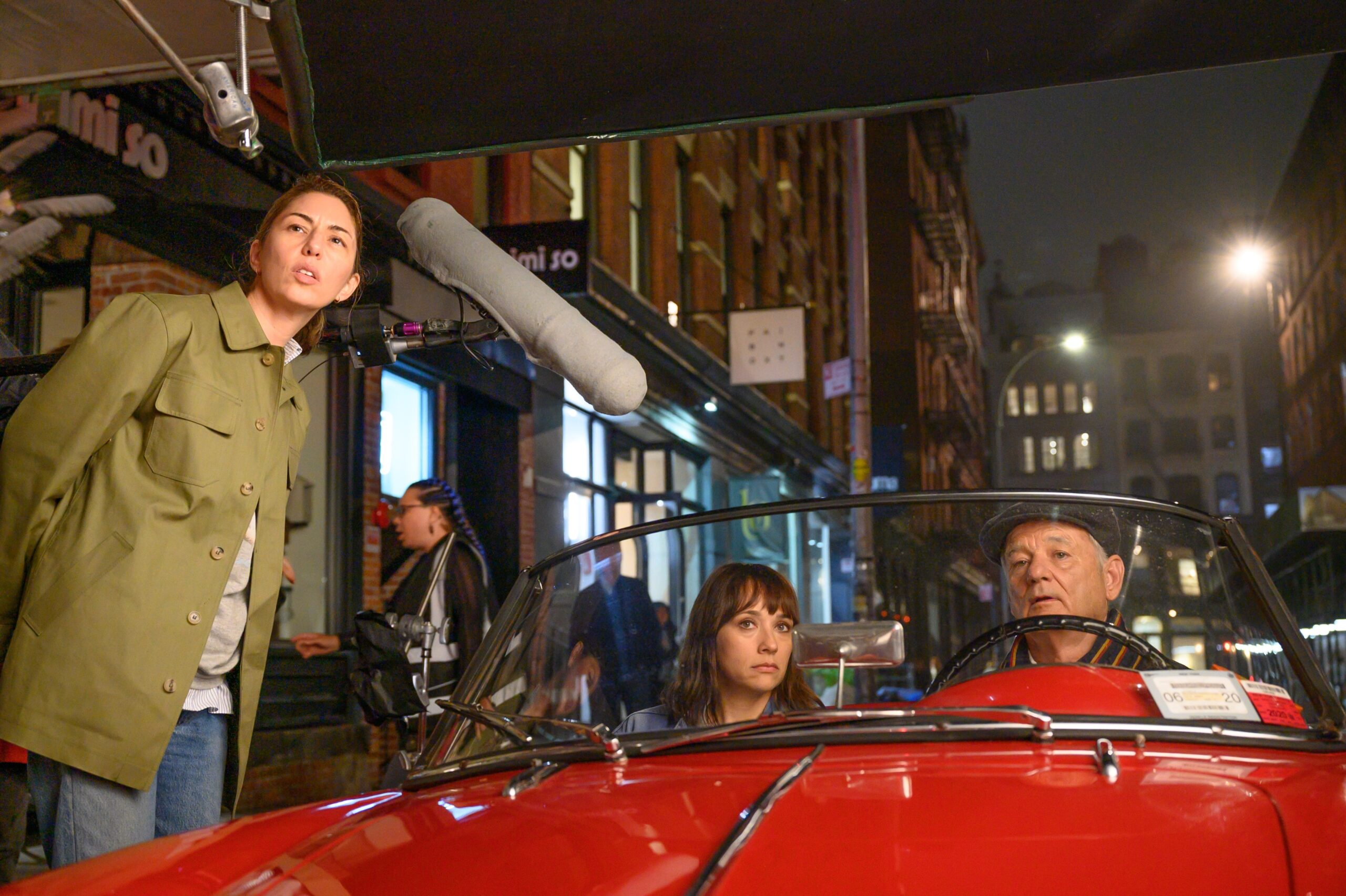 "Sofia Coppola, Rashida Jones e Bill Murray no set de ""On The Rocks"""