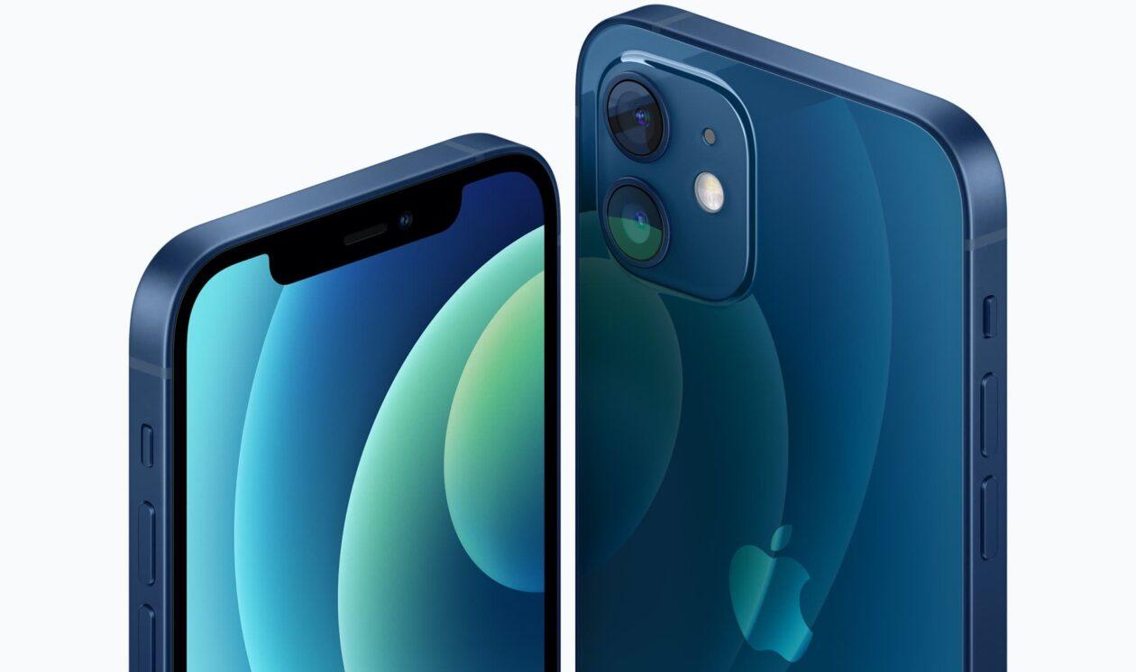 iPhone 12 na cor azul pacífico