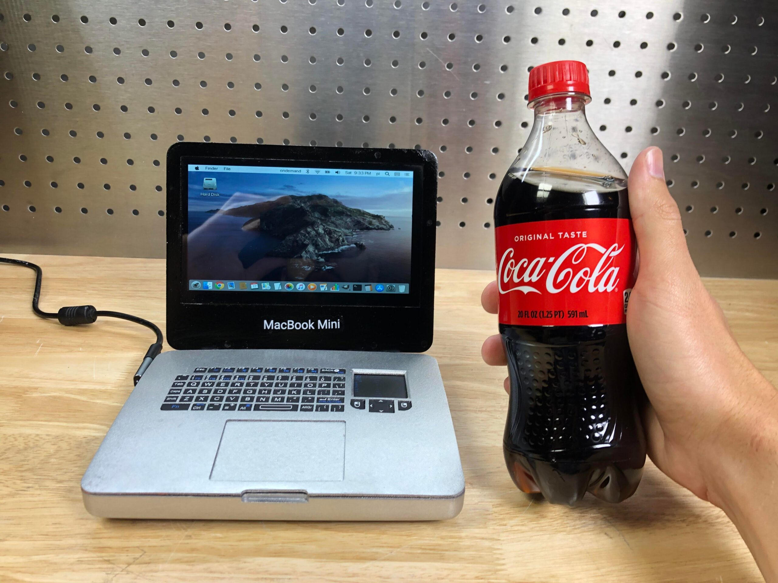 Menor MacBook Pro do mundo