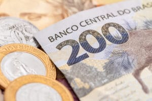 Dinheiro (notas e moedas de real)