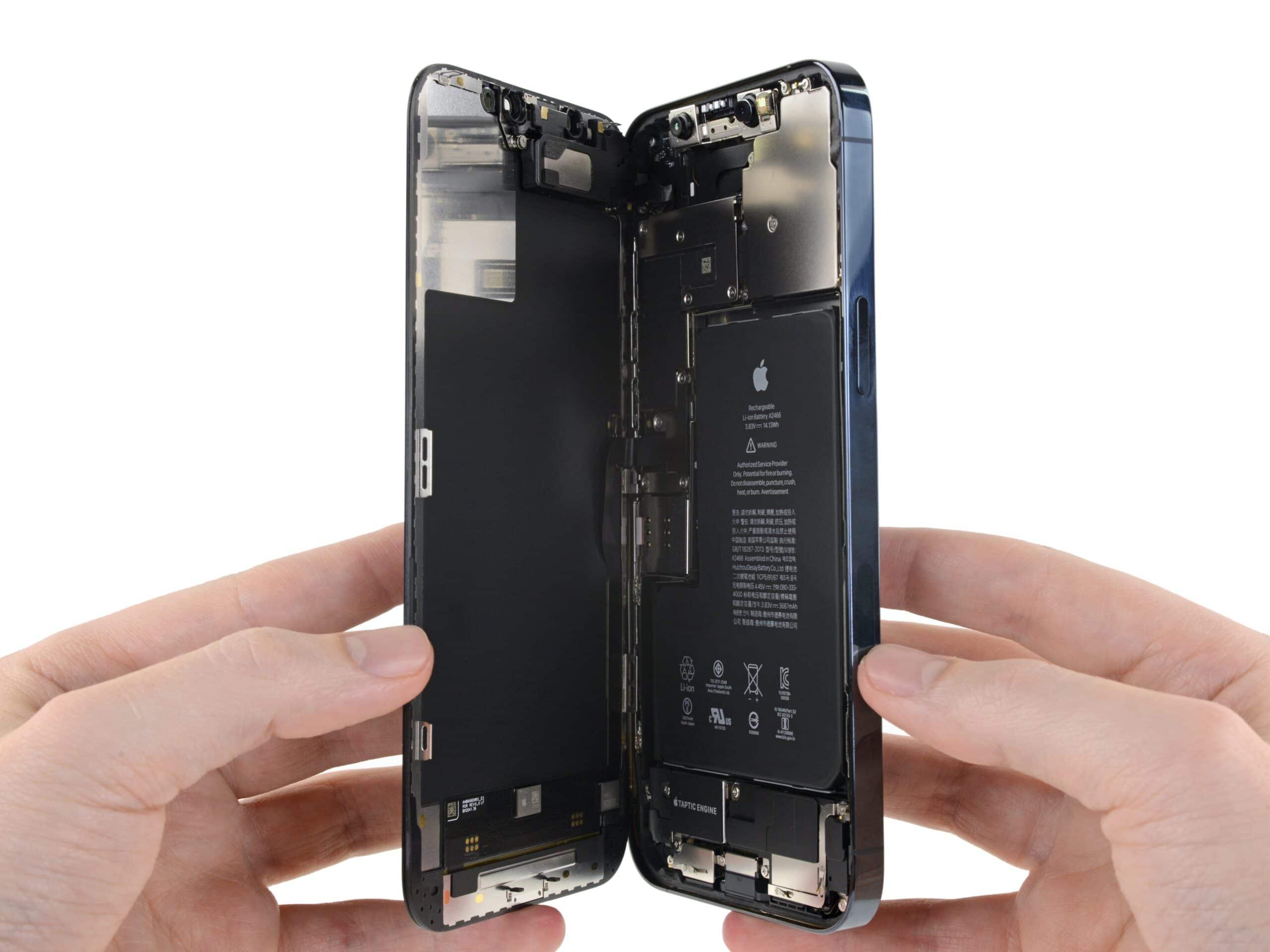iPhone aberto pela iFixit