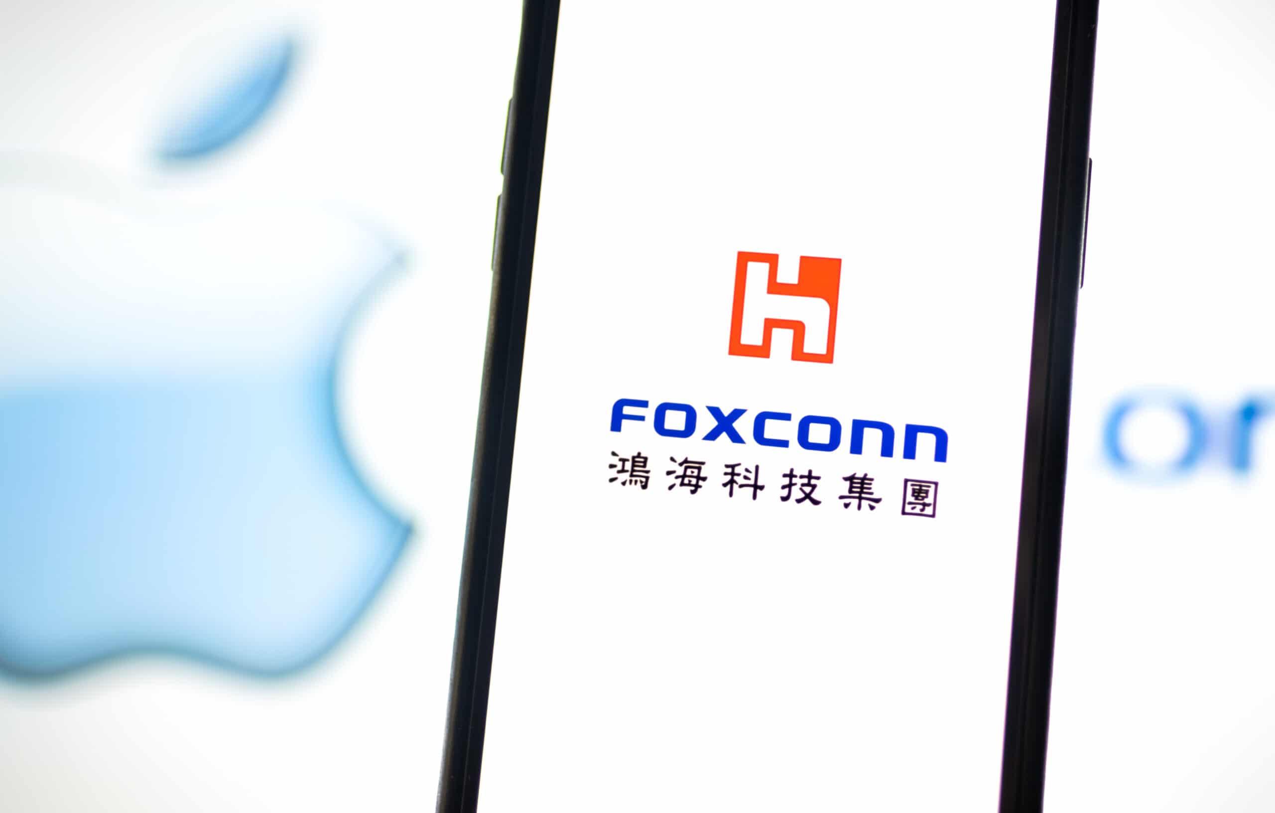 Logo da Foxconn em tela de iPhone