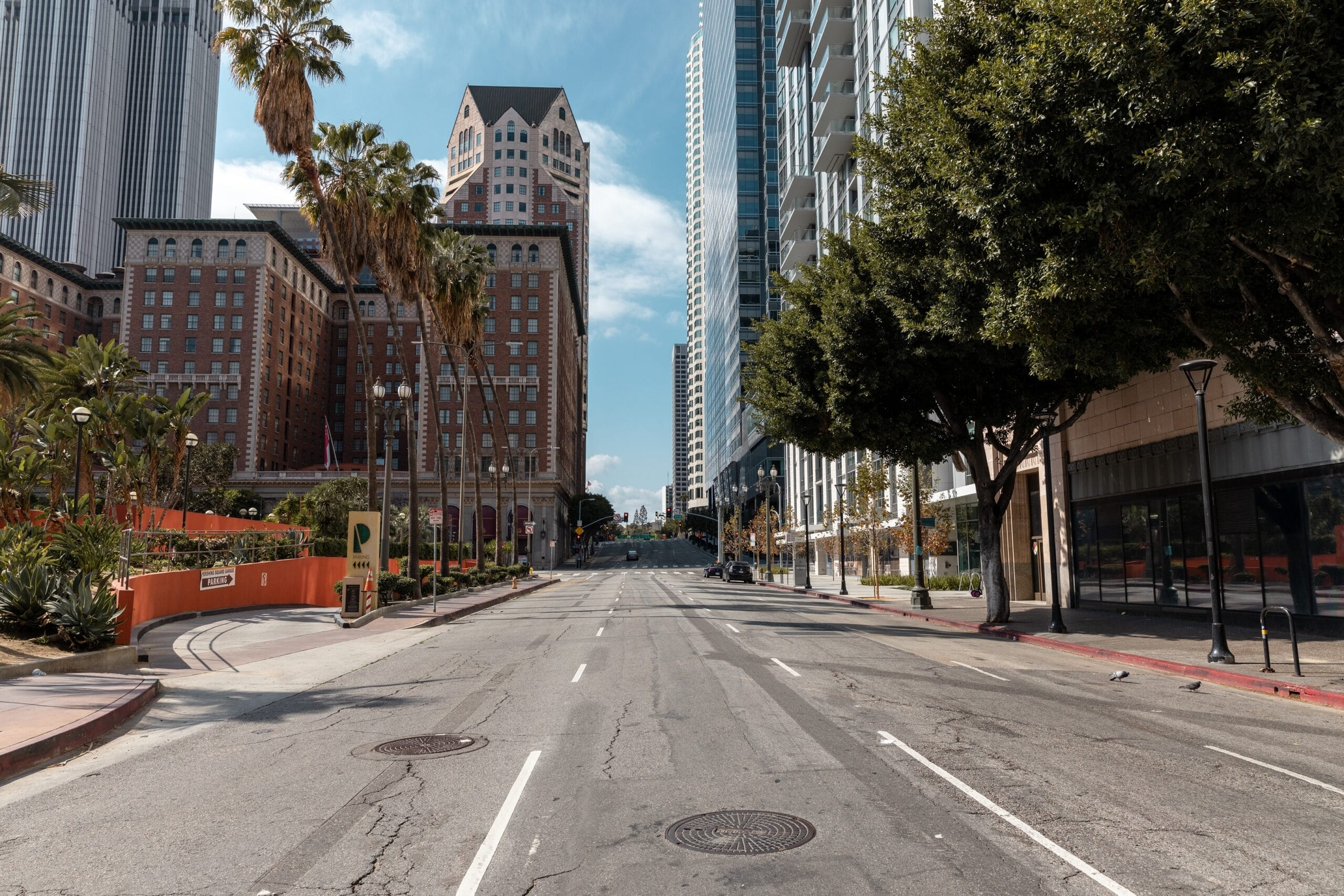 Ruas vazia em Los Angeles por conta da pandemia