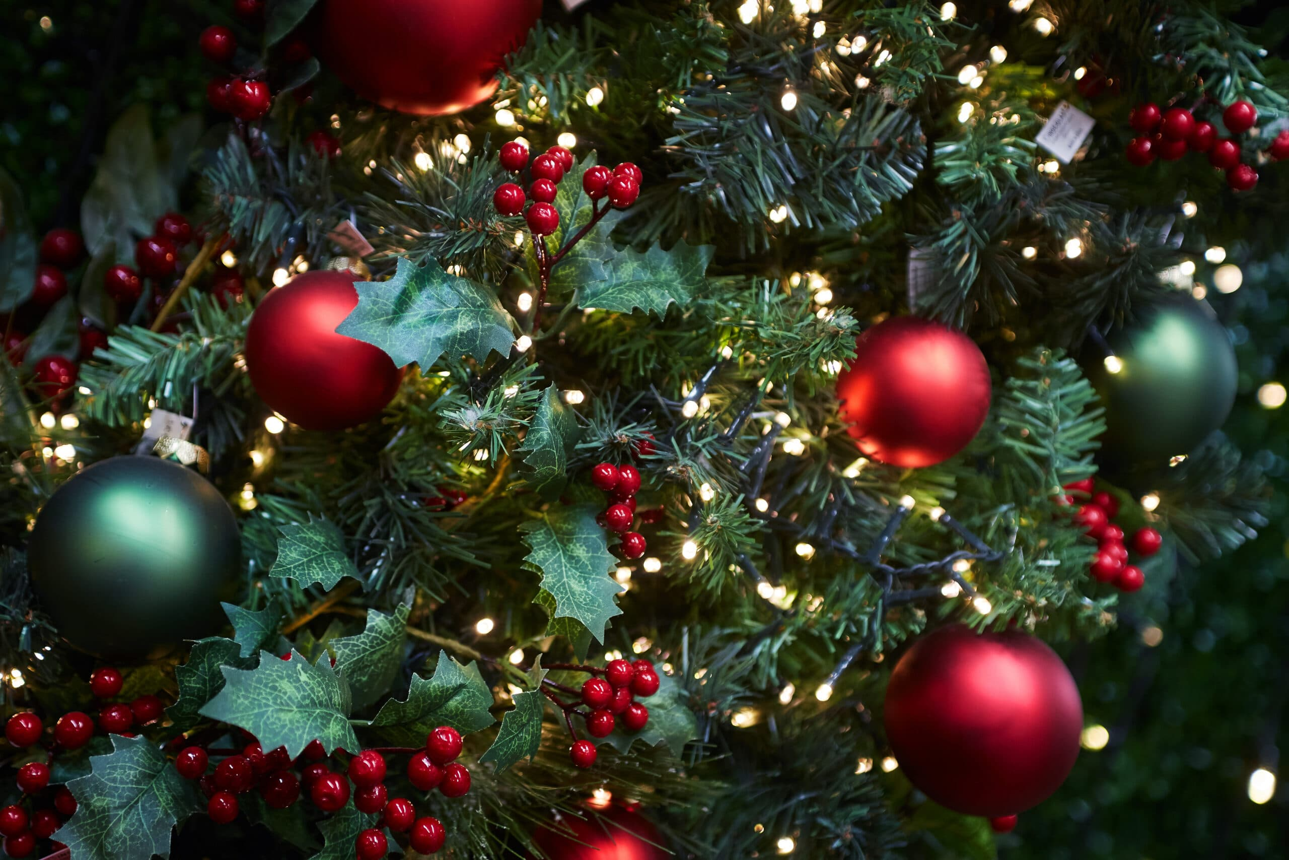 Árvore de Natal toda decorada