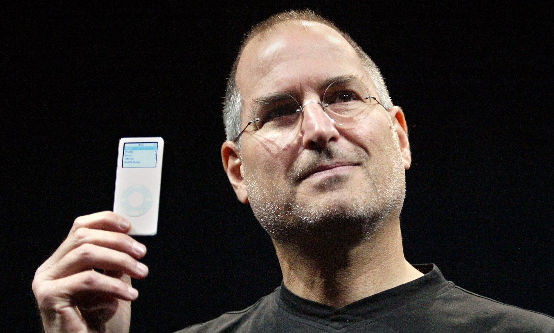 Steve Jobs apresentando o iPad nano em setembro de 2005