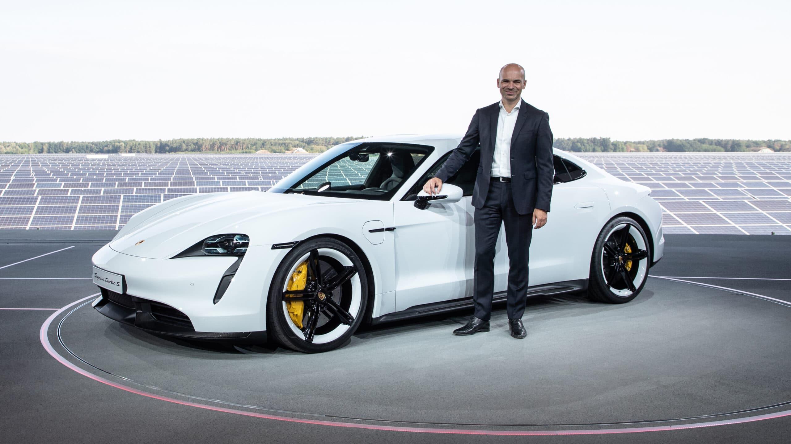 Manfred Harrer, executivo da Porsche contratado pela Apple