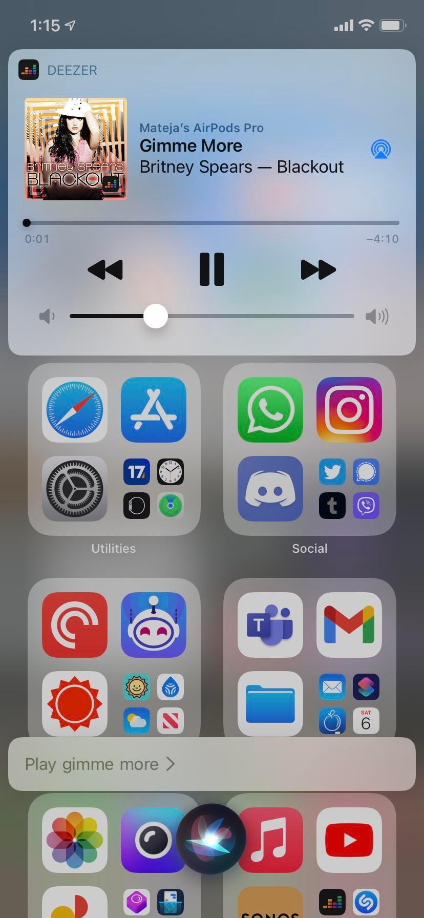 Escolhendo um serviço de música padrão no iOS 14.5 com a Siri