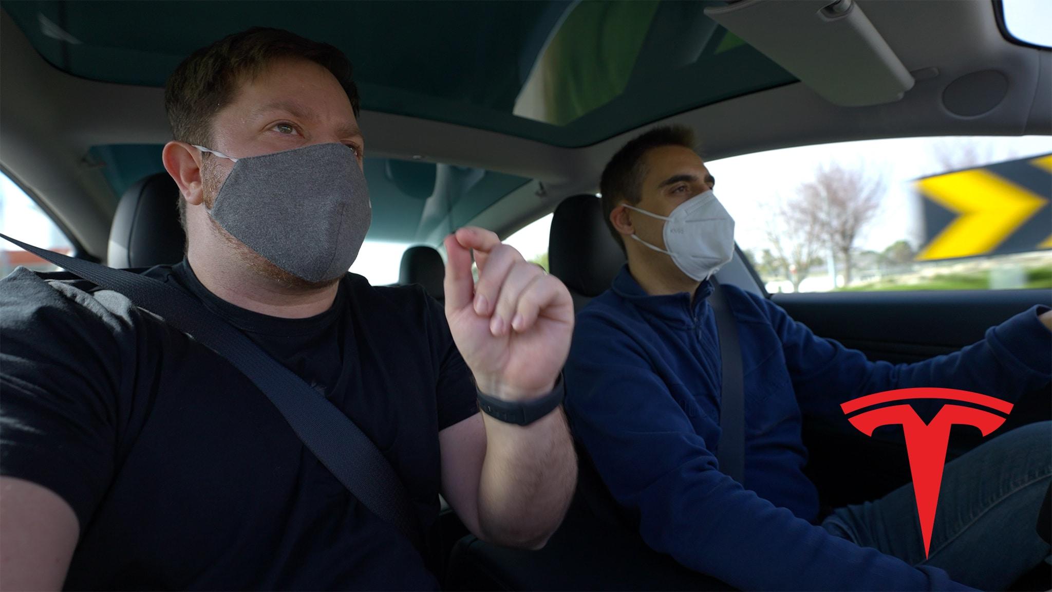 Rafael e Nuno no Tesla Model 3
