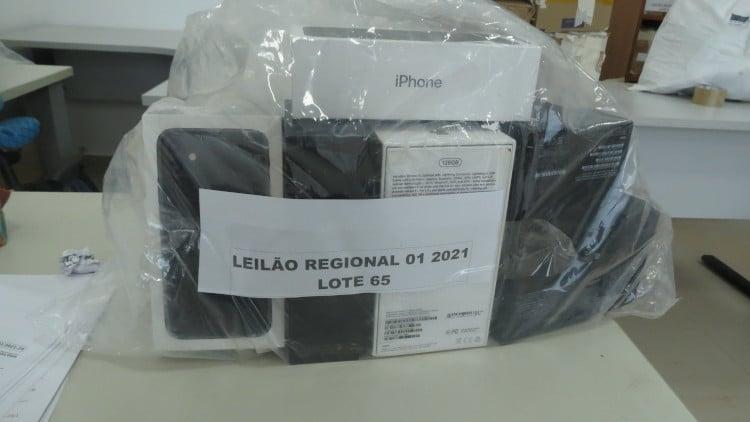 Leilão da Receita Federal com produtos Apple