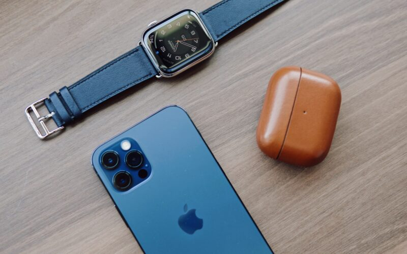 Apple Watch, AirPods e iPhone