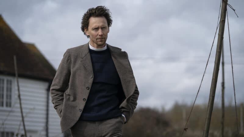 """Tom Hiddleston em """"A Serpente do Essex"""", série do Apple TV+"""