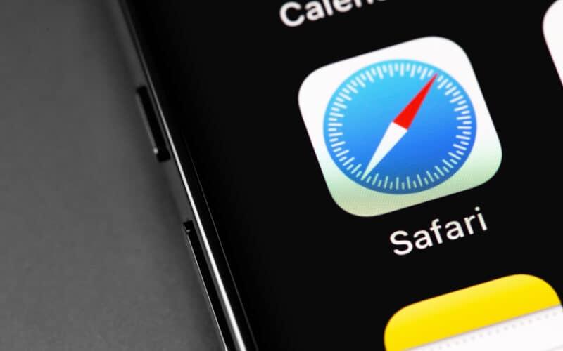 Ícone do Safari em iPhone (close-up)