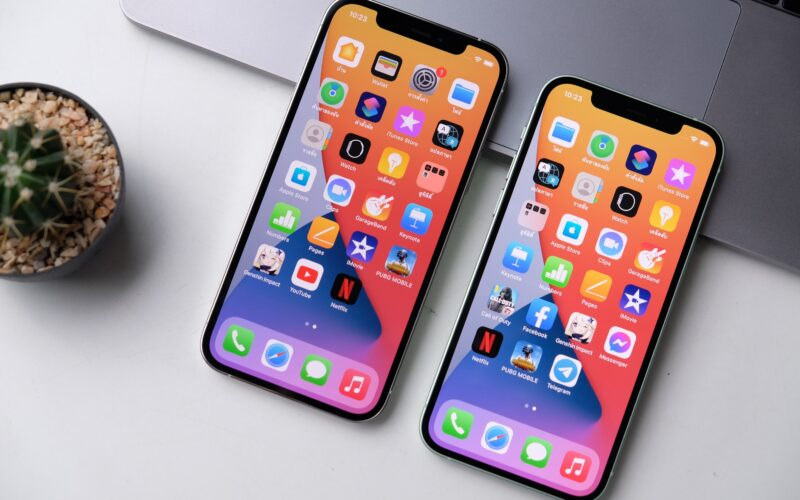 iPhones 12