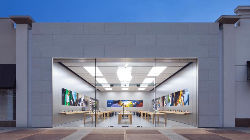 Apple Eastwood Towne Center em Michigan