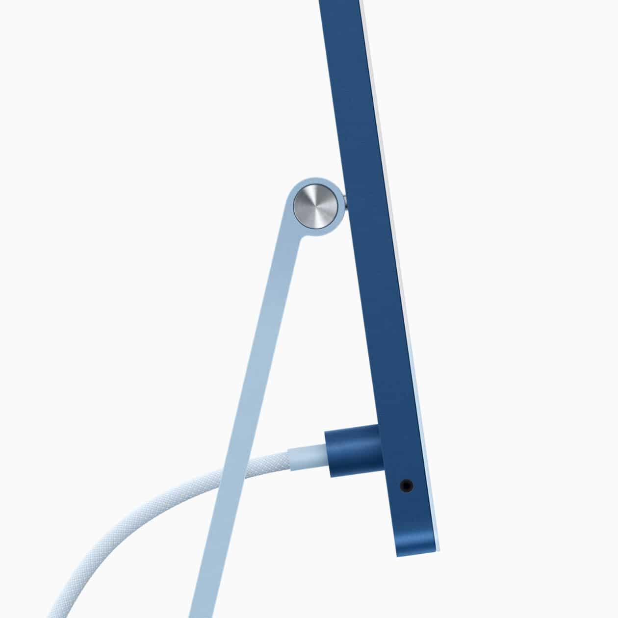 """Cabo de força conectado ao iMac M1 de 24"""" azul"""