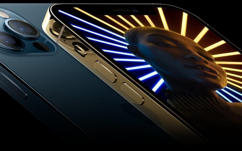iPhones 12 Pro azul-pacífico e dourado