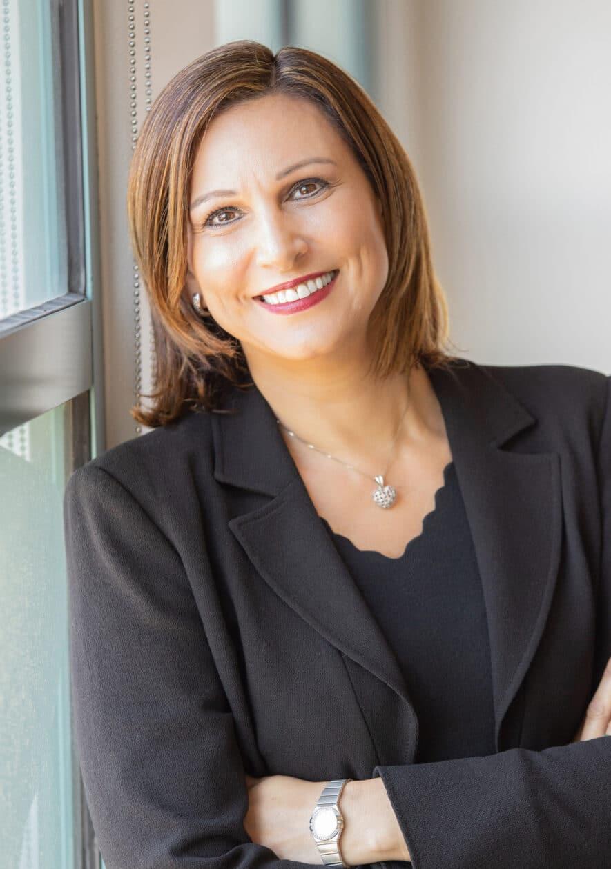 Stella Low, vice-presidente de comunicações da Apple