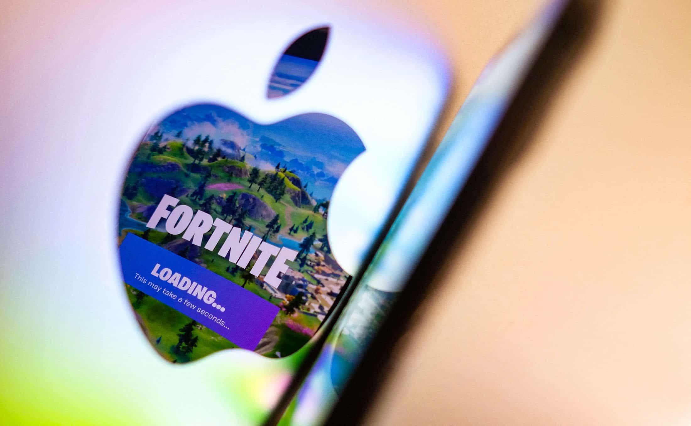 Logo da Apple e Fortnite