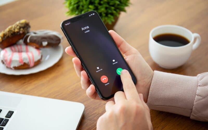 Ligando pelo iPhone