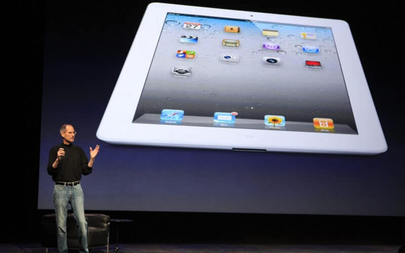 Steve Jobs apresentando o iPad 2