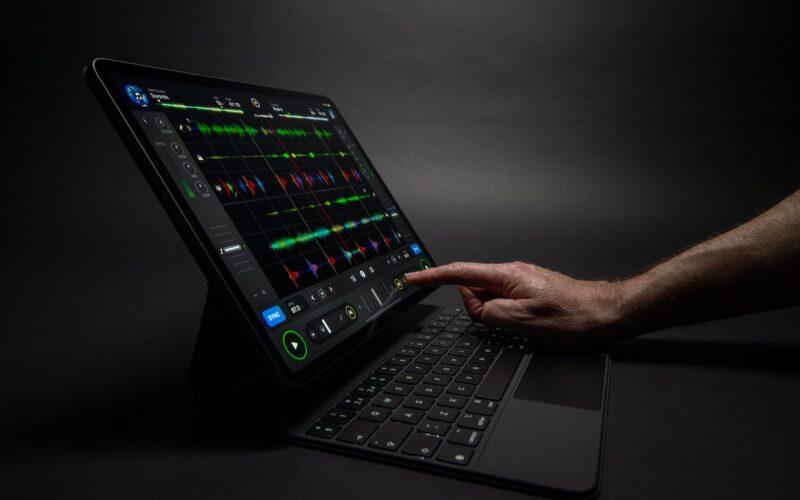 djay Pro rodando num iPad Pro