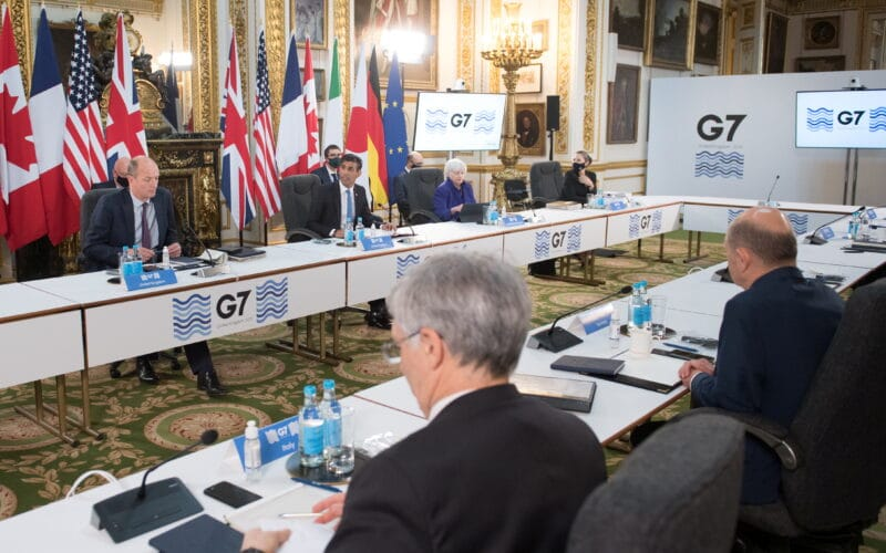 Representantes do G7
