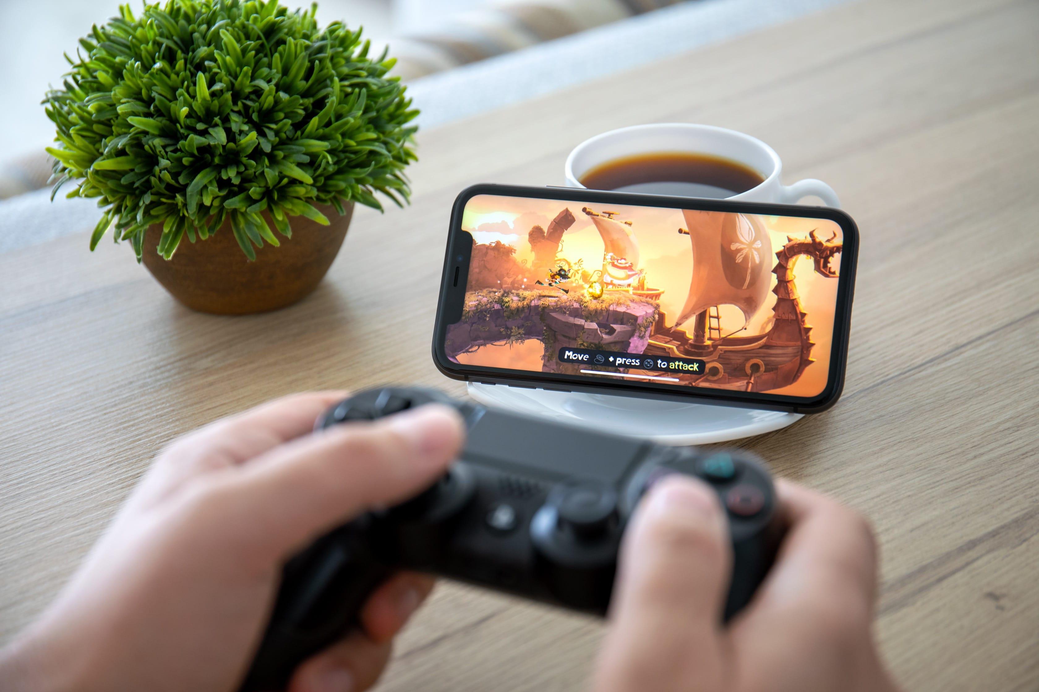 Jogando no iPhone com um controle de console