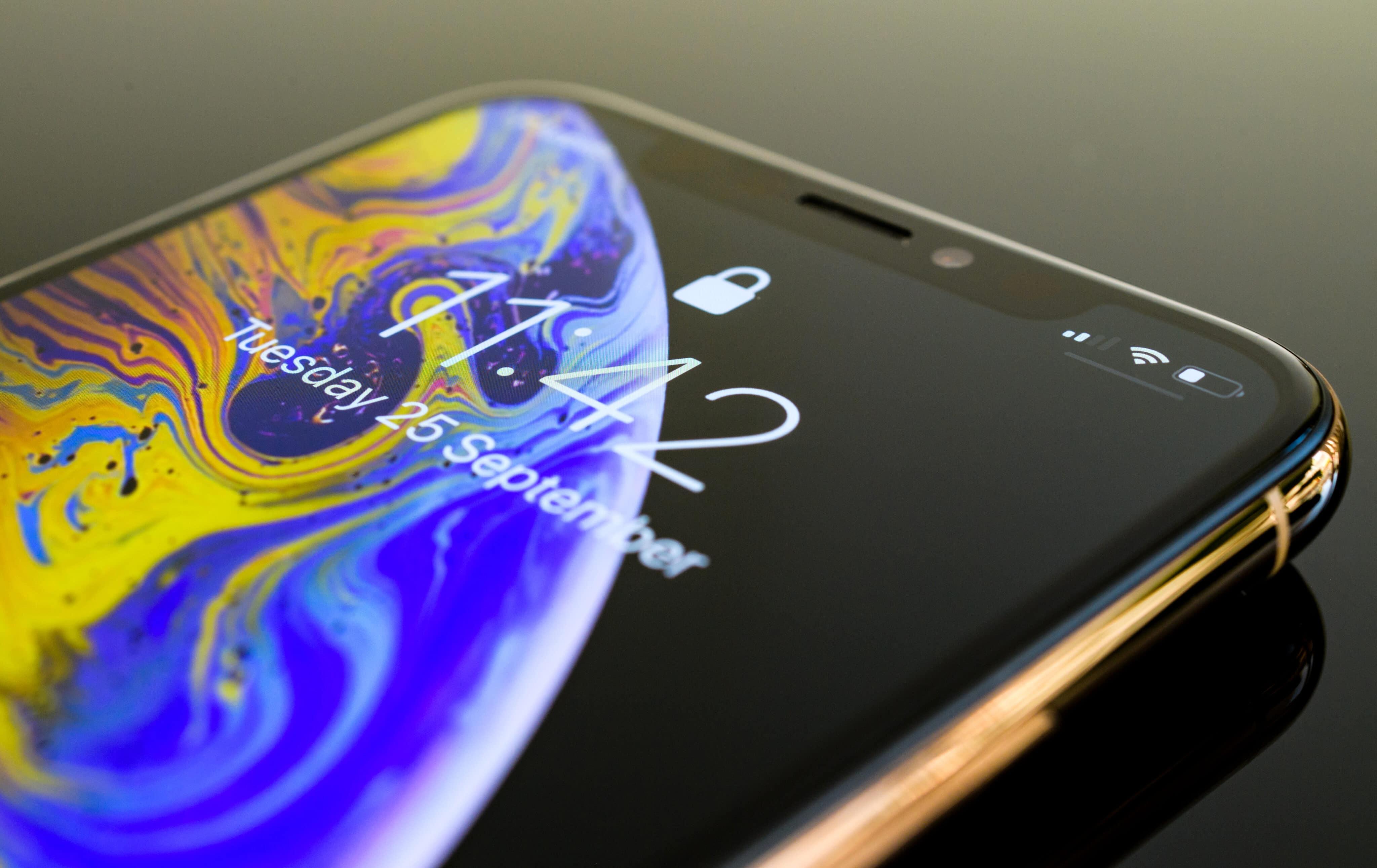 iPhone com a tela bloqueada