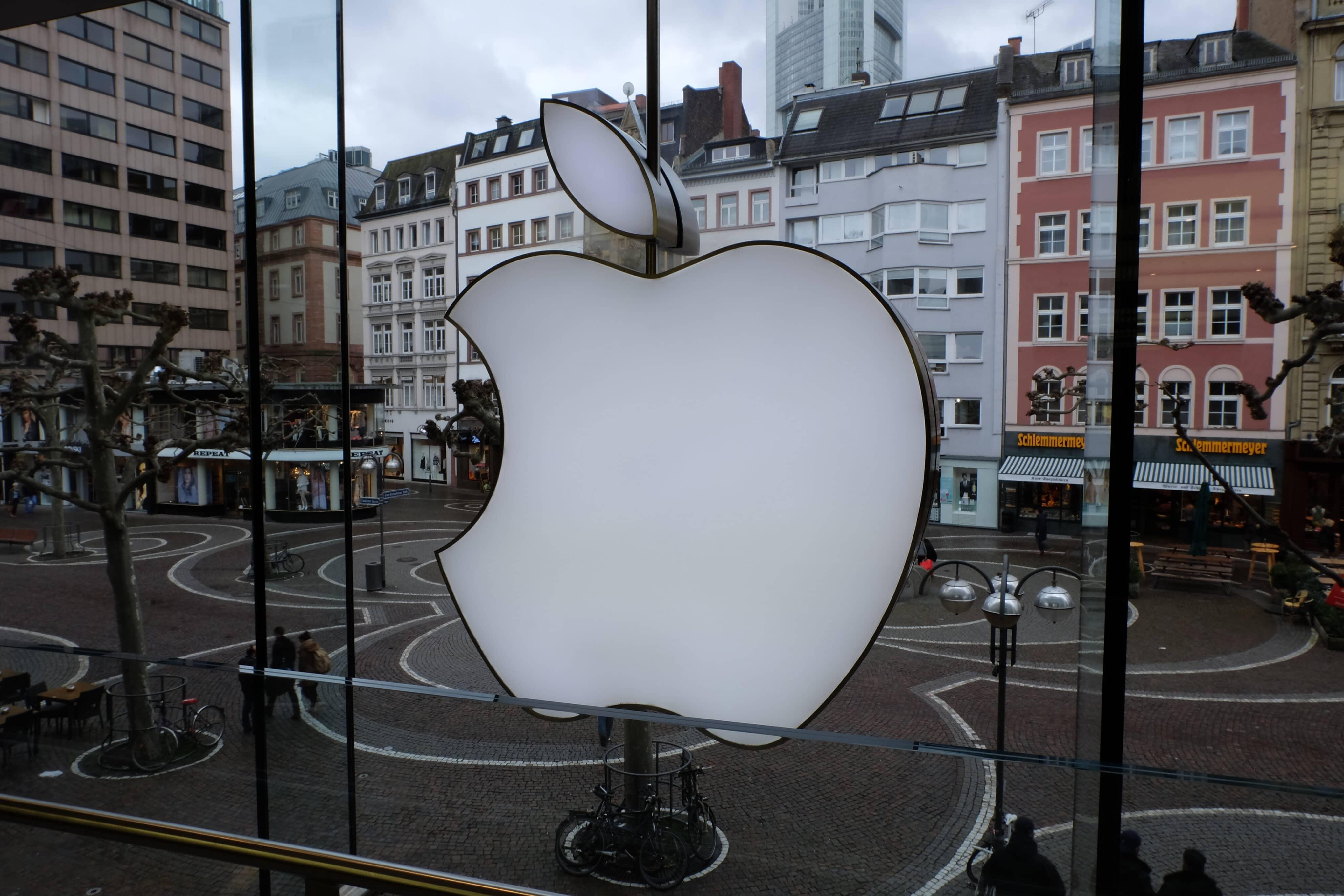Logo em Apple Store de Frankfurt, na Alemanha