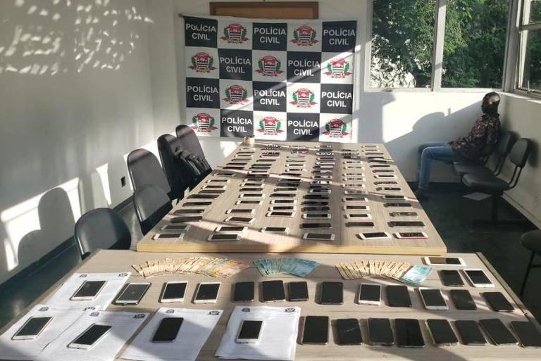 Operação da Polícia Civil de SP que prendeu quadrilha de desbloqueio de celulares