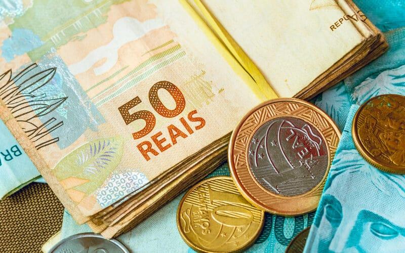 Dinheiro (em reais)