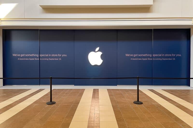 Apple The Mall at Bay Plaza