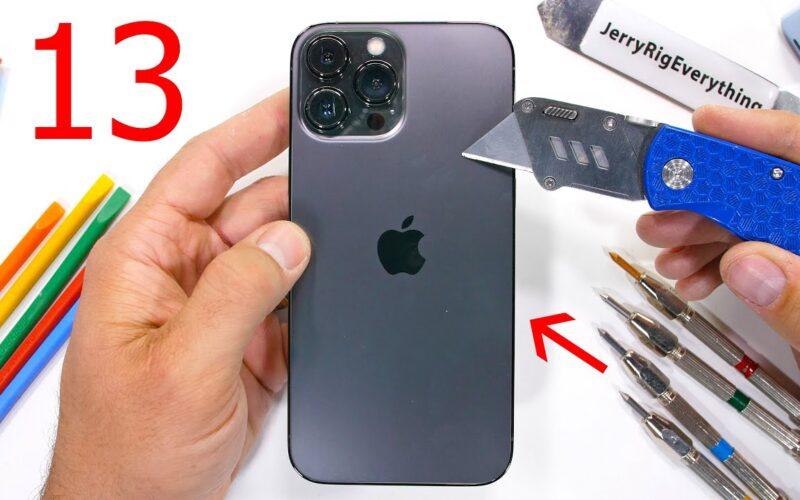 Teste do JerryRigEverything com o iPhone 13 Pro