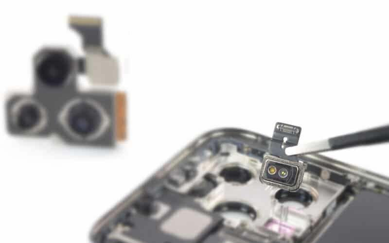 Teardown do iPhone 13 Pro feito pela iFixit